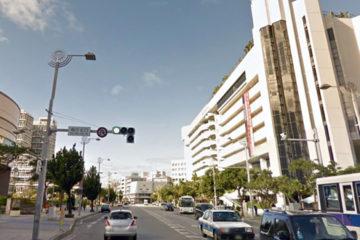 沖縄県庁前